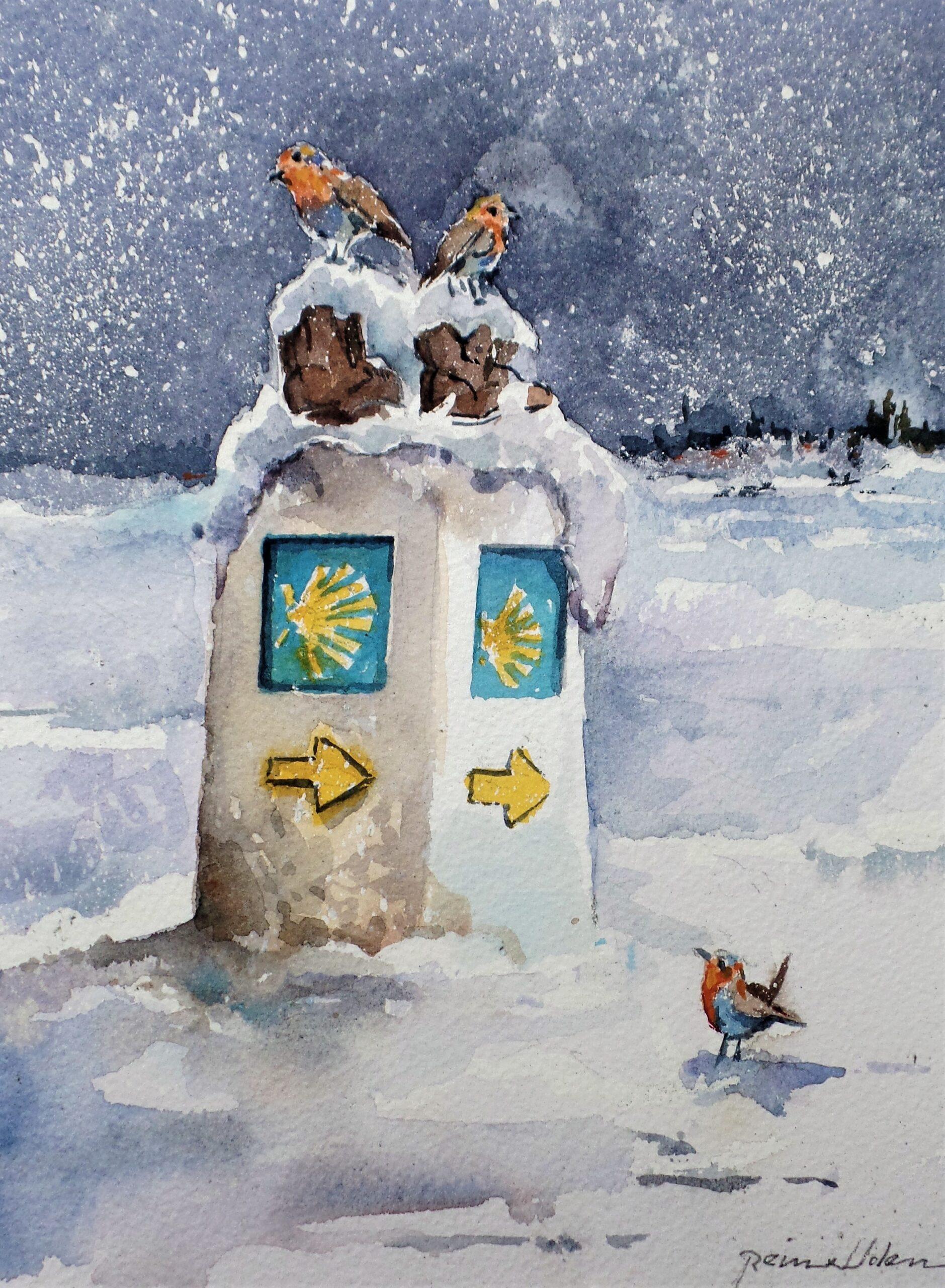 Een winter tafereel. Het sneeuwt. Op het caminopaaltje staat een schoen die overdekt is met sneeuw. Hierop staan twee roodborstjes. Op de grond kijkt een derde roodborstje omhoog naar de twee roodborstjes op de schoen.