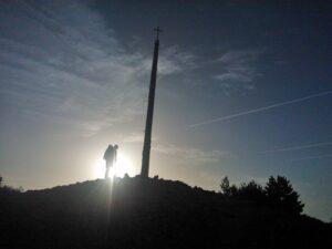Cruz de Ferro bij zonsopgang