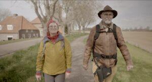 twee wandelaars op het Kloosterpad
