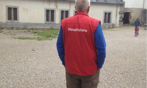 Hospitalero Roncesvalles op de rug gezien